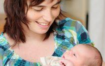 Signál přeplněných školek: porod si naplánujte na srpen