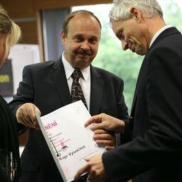 Nejlepší krajské úřady roku 2011