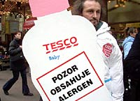 Greenpeace varuje: TESCO naděluje dětem alergen!