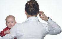 Kolektivní smlouvy zlepšují podmínky pro návrat rodičů do práce po skončení mateřské a rodičovské dovolené