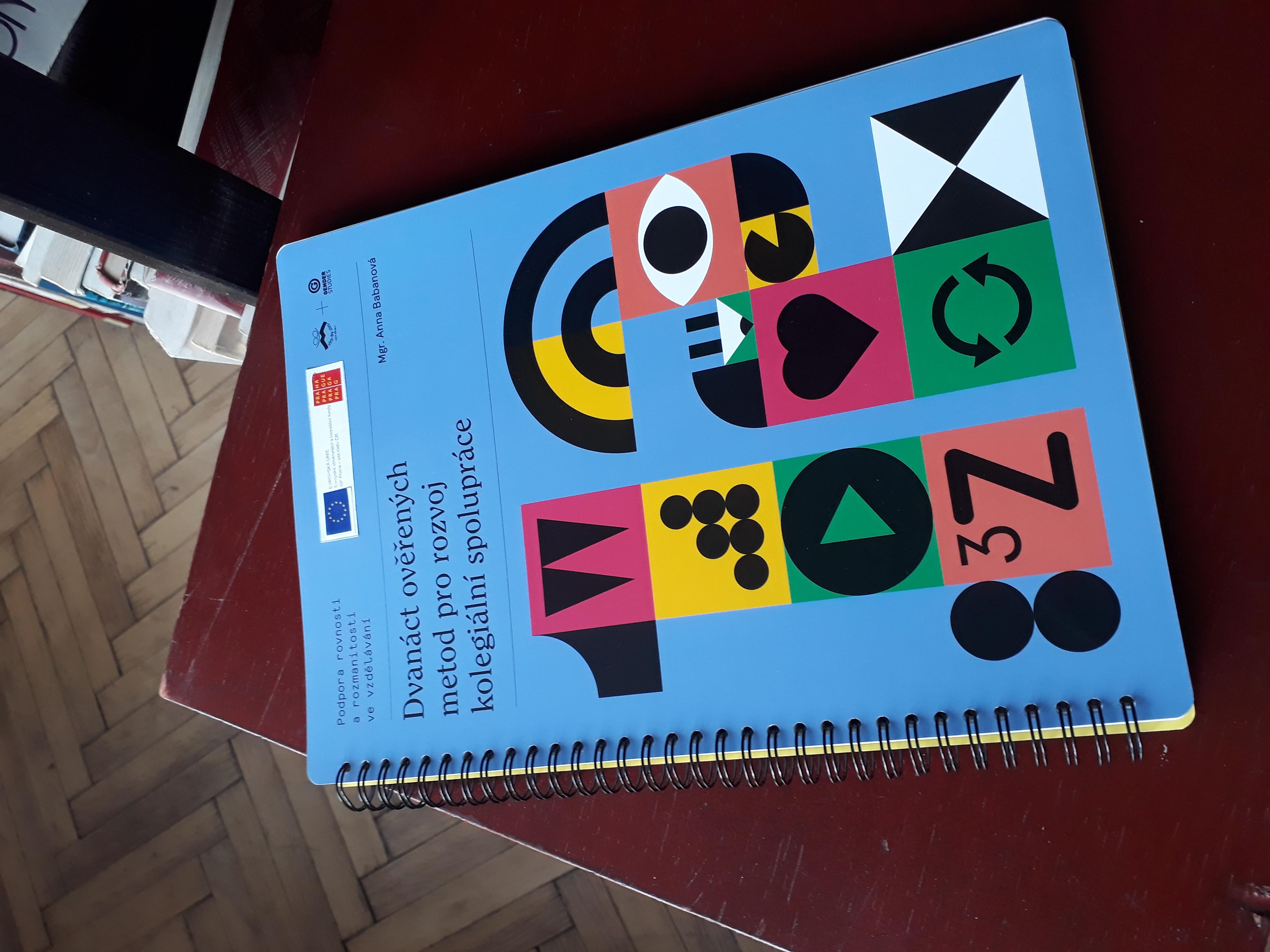 Nová příručka pro vyučující ke kolegiální podpoře
