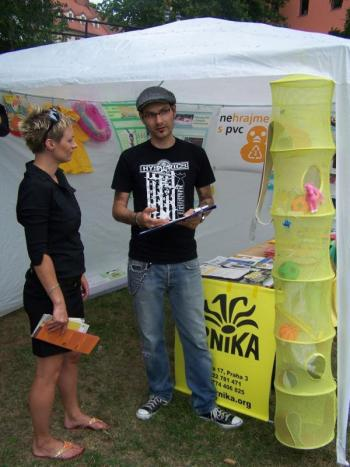 -Infostánek o PVC, Foto: Lenka Lukáčková / Arnika-
