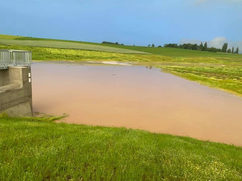 Bez poldrů by domy v Kobeřicích vyplavila voda s bahnem, říká starosta Kubný