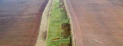 Rozložení příkopů na pozemku. Celá plocha je rozdělena na tři části na kterých se pase střídavě.
