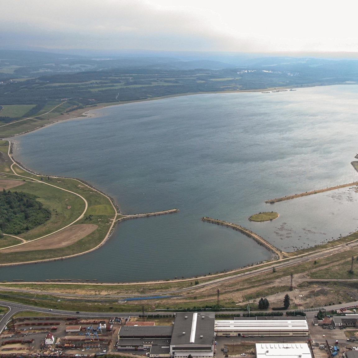 Medard je v současnosti největším rekultivačním jezerem v Česku