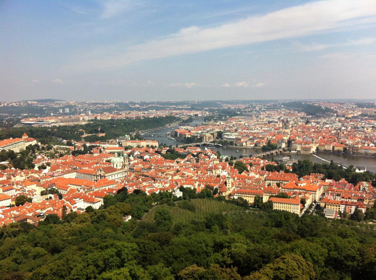 pohled z Petřínské věže