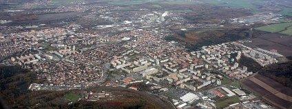 Letecký snímek Kladna Foto: Kenyh Cevarom Wikimedia Commons