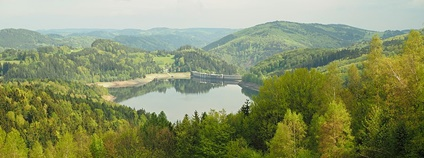 Přehrada Vír - jeden ze zdrojů pitné vody pro Brno Foto: Tomáš Merta Wikimedia Commons