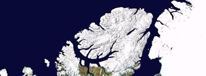 Ellesmerův ostrov a okolí na satelitním snímku Foto: NASA World Wind Wikipedia Commons