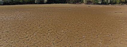 Vyprahlé pole.