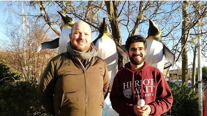Tým studentů a výzkumníků ze skotské Heriot-Watt University podstrčil tučňákům dokonalé špionážní zařízení.