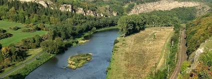 Pohled z Tetína směrem k Srbsku