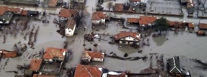 Bulharská obec Biser zaplavená poté, co se nad ní protrhla přehrada. Foto: Ministerstvo obrany Bulharské republiky