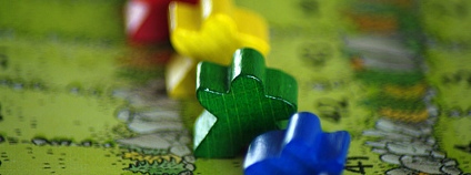 Detail figurek ve hře Caracassonne - Lovci a sběrači Foto: Paul / Flickr.com