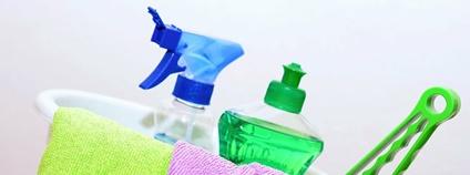 Úklidové čistící prostředky Foto: Piqsels