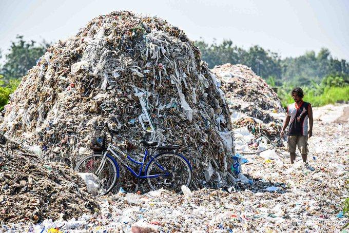 Objem dovozu plastového odpadu do Indonésie se v minulých dvou letech zdvojnásobil a místní komunity ohrožují toxiny vznikající při spalování. / Ilustrační foto