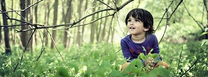 dítě v lese Foto: Philippe Put / Flickr