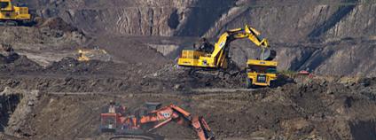 Těžba uhlí Foto: Dominik Vanyl Unsplash