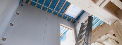Stavění domu Foto: Jeanette Dietl Shutterstock