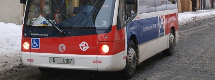 Mini elektrobus v pražských uličkách Foto: DPP