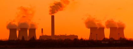 Tepelná elektrárna Foto: Ant Clausen Shutterstock