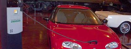 Elektromobil - model EV1 od společnosti General Motors Foto: Rmhermen Wikimedia Commons