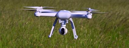 Dron Foto: adonyig pixabay