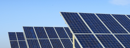 Fotovoltaická elektrárna Foto:  asharkyu Shutterstock