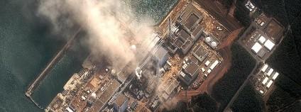 E Fukušima v Japonsku poškozená zemětřesením a vlnou cunami v roce 2011 Foto: DigitalGlobe / Greenpeace