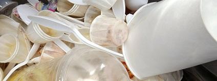 Plastové odpadky v koši Foto: Dennis pixabay