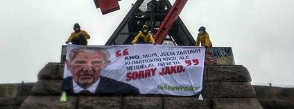 Akce Greenpeace na pražském metronomu, říjen 2020 Foto: Barbora Sommers Greenpeace
