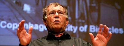 Jan Gehl na přednášce v roce 2006 Foto: Michigan Municipal League gene driskell