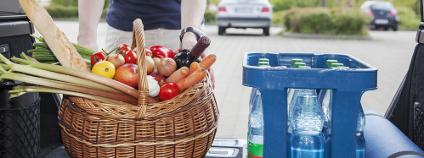 Jídlo v kufru auta Foto: Edler von Rabenstein Shutterstock