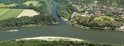 Ústí řeky Moravy do Dunaje Foto: Jaroslav Kubec Wikimedia Commons