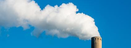 Komín kouřící Foto: Ruud Morijn Photopraphy / Shutterstock.com