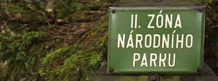 Označení druhé zóny v Krkonošském národním parku. Foto: Jan Stejskal/Ekolist.cz
