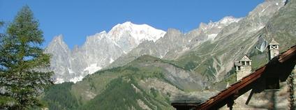 Mont Blanc z italské obce Planpincieux Foto: puffin11k Flickr
