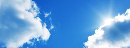 mraky na obloze Foto: Elenamiv / Shutterstock