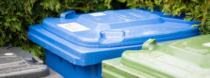 Nádoby na tříděný odpad Foto: Samuel Cohen Shutterstock