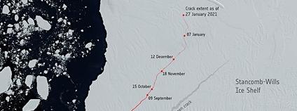 Rozšíření trhliny na šelfovém ledovci Brunt na Antarktidě Foto: European Space Agency Wikimedia Commons