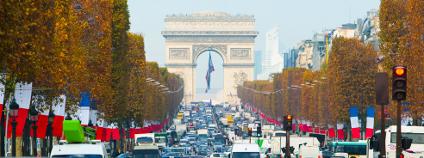 Champs-Elysees Foto: Mark III Photonics / Shutterstock