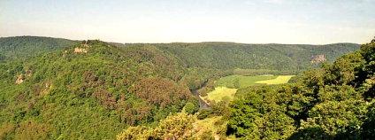 Údolí Dyje z Hardeggské vyhlídky v NP Podyjí.