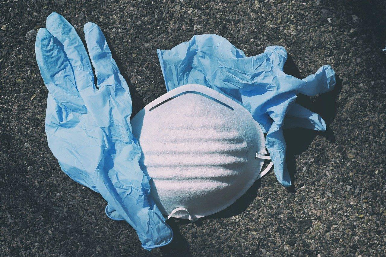 Respirátory patří do směsného odpadu, ale musí být v pytlích