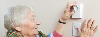 Seniorka Foto: Paul Vasarhelyi / Shutterstock.com