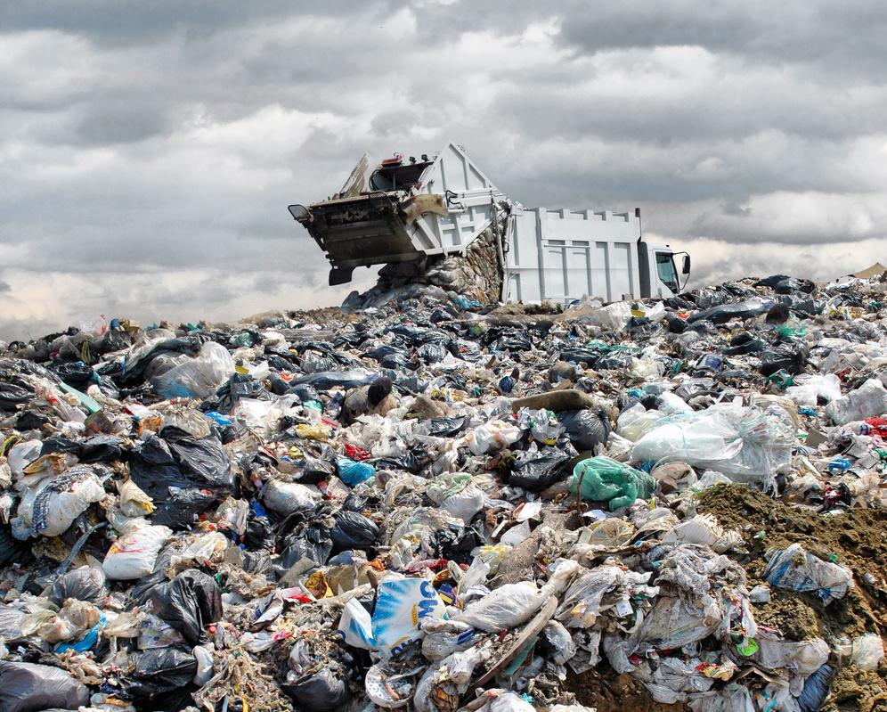 Konec skládkování odpadu se zřejmě posune o šest let na rok 2030
