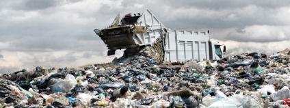 skládka odpad Foto: kaband Shutterstock