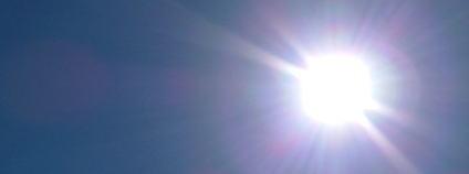 Slunce na obloze Foto: Lykaestria / robotbyn.se