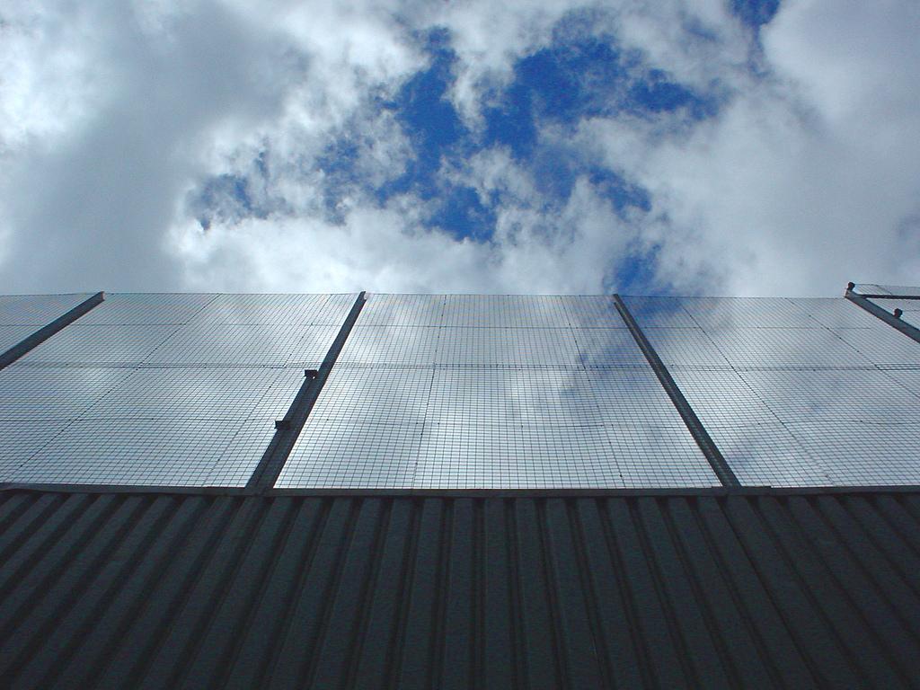 V Ledvicích zkouší různé typy solárních panelů pro nové elektrárny