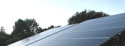 Fotovoltaický panel Foto: Mike Weston flickr