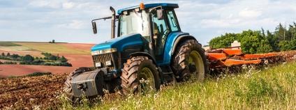 Traktor Foto: andrianoi.cz / Shutterstock.com